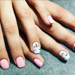 Manucure nail art licorne